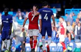 """Sanchez """"tỏ tình"""" với Fabregas"""
