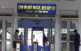 """Cổng soát vé tự động ở ga Sài Gòn dễ dàng bị """"qua mặt"""""""