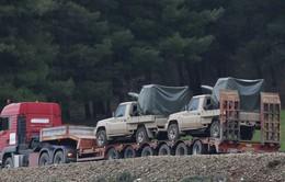 Bộ binh Thổ Nhĩ Kỳ tiến vào Syria