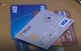 Rút tiền mặt ở nước ngoài không được quá 30 triệu VND/thẻ/ngày
