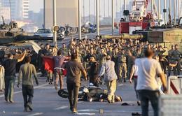 Vụ đảo chính ở Thổ Nhĩ Kỳ: Bắt giữ thêm hàng chục binh sĩ liên quan