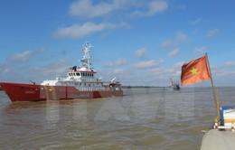 Nỗ lực tìm kiếm 13 ngư dân mất tích trên vùng biển Vịnh Bắc Bộ