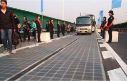 Đường cao tốc pin mặt trời bị... mất trộm tấm pin