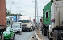 Vì sao cảng Cát Lái (TP.HCM) thường xyên bị kẹt xe?