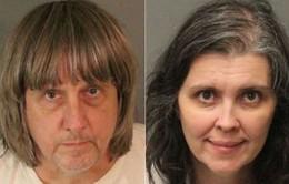 Mỹ: Cặp vợ chồng giam giữ 13 đứa con gây chấn động dư luận