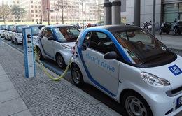 Vì sao xe hơi chạy điện chưa gây được ấn tượng mạnh trên thị trường?