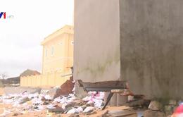 Triều cường làm sập 3 nhà dân tại Phú Yên