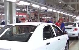 Doanh số ô tô tại Trung Quốc giảm năm đầu tiên sau hơn 2 thập kỷ