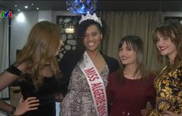 Tranh cãi xung quanh màu da của hoa hậu Algeria