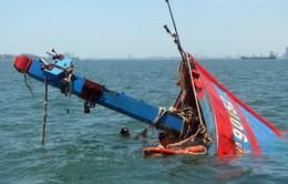 Khẩn cấp xác minh thông tin tàu cá với 10 lao động bị chìm trên biển