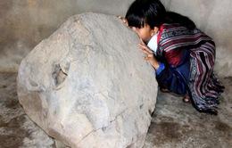 Phát hiện Tù Và bằng đá độc, lạ trên thảo nguyên Bùi Hui