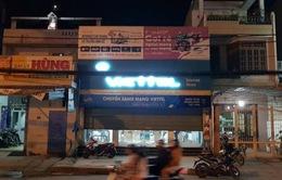 Thanh niên mang súng, mìn cướp 40 triệu đồng ở cửa hàng Viettel