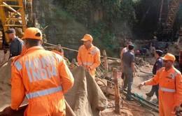 Ấn Độ: Bơm nước khỏi hầm để cứu 15 thợ mỏ đã mắc kẹt 18 ngày