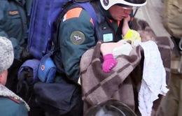 Cứu bé sơ sinh kẹt 35 giờ đồng hồ sau vụ nổ khí gas ở chung cư nước Nga