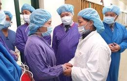 Bộ trưởng Bộ Y tế truy tặng kỷ niệm chương cho người hiến 7 mô/tạng