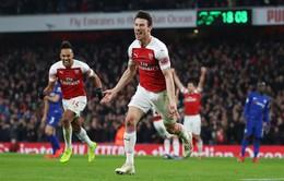 """Đả bại Chelsea, Arsenal """"rủ"""" Man Utd áp sát top 4 Ngoại hạng Anh"""