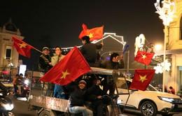 Đường phố Hà Nội rợp cờ ăn mừng đội tuyển Việt Nam vào tứ kết Asian Cup 2019