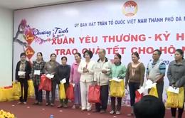 Đà Nẵng trao quà Tết cho người nghèo