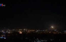 Israel tấn công các mục tiêu của Iran ở Syria