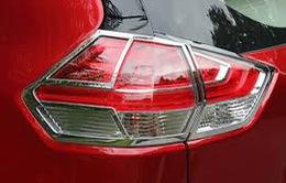 Nở rộ tình trạng khách hàng mua ô tô bị ép mua phụ kiện