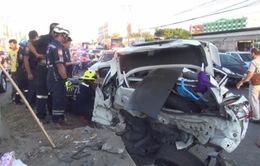 Ô tô lật ở Thái Lan, 4 công nhân Myanmar thiệt mạng