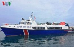 Tàu chở khách đâm chìm tàu cá, nhiều người hoảng loạn