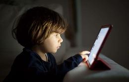 Giảm tác hại của màn hình xanh với thị lực của trẻ