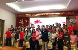 Trái tim cho em: Trao tặng lì xì Tết cho 30 bệnh nhi tim bẩm sinh bệnh viện Tim Hà Nội
