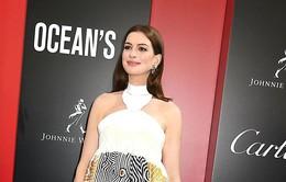 Anne Hathaway nói không với rượu vì con trai