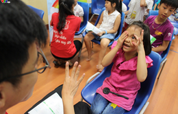 Cảnh báo: Hơn 3 triệu trẻ em Việt mắc tật khúc xạ