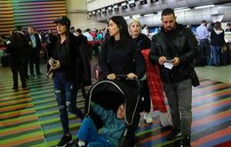 Các nhà ngoại giao Mỹ bắt đầu rời Venezuela