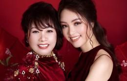 Á hậu Thụy Vân và mẹ trẻ trung như hai chị em trong bộ ảnh Tết