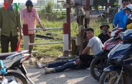 Tông vào lan can đường, ba thanh niên trên xe máy thương vong