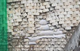 Bức tường khổng lồ trái phép ở Nha Trang nứt vỡ, uy hiếp người dân