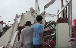 Giông lốc làm sập hàng trăm ngôi nhà ở Bạc Liêu