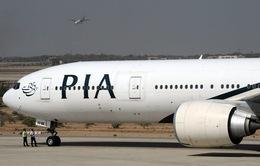 Pakistan Airlines yêu cầu các tiếp viên giảm cân