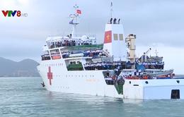 Tàu xuất bến mang quà Tết đến với chiến sĩ và nhân dân Trường Sa