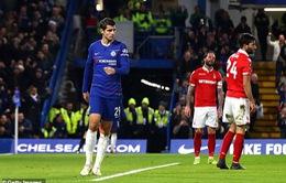 """Morata làm mặt """"đưa đám"""" trả đũa huyền thoại Chelsea"""
