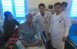 Nam thanh niên bị chấn thương sọ não nặng do đá rơi vào đầu