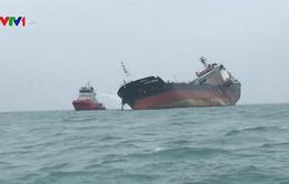 Thăm hỏi các nạn nhân vụ tàu dầu Việt Nam gặp nạn ở Hong Kong