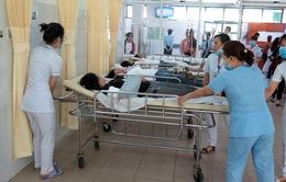 Nỗ lực cứu chữa các nạn nhân vụ xe khách rơi xuống vực ở đèo Hải Vân
