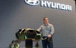 """Hyundai trình diễn dự án xe ô tô """"đi bộ"""""""
