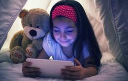 Không nên cho trẻ sử dụng các thiết bị di động 1 giờ trước khi ngủ