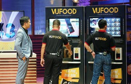 Bất chấp Shark Linh chê, Shark Hưng vẫn rót 350.000 USD vào máy pha chế tự động