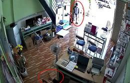 Cửa hàng bán camera bị trộm ghé thăm