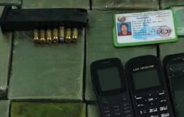 Bắt 3 đối tượng quốc tịch Lào vận chuyển 60 bánh heroin vào Việt Nam
