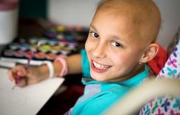 Bé gái 9 tuổi chữa khỏi ung thư buồng trứng