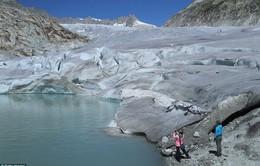 Báo động tình trạng sông băng tan nhanh chưa từng thấy ở Thụy Sĩ
