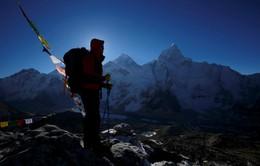 Nepal đo lại độ cao đỉnh Everest