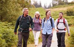 Đi bộ nhanh ở tuổi trung niên chứng minh sự trẻ hoá não bộ và cơ thể